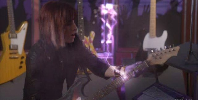 Warehouse 13 S3x01 Claudia tames the Hendrix guitar