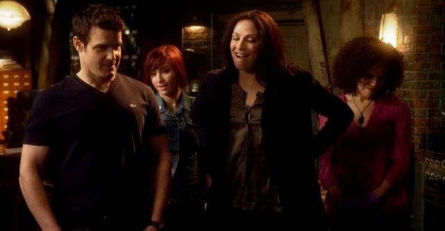 Warehouse 13 S3x01 Myka returns to the Warehouse