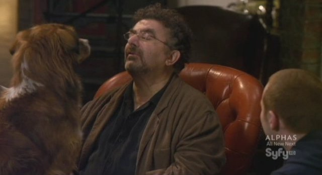 Warehouse 13 - S3x07 Artie and doggie time