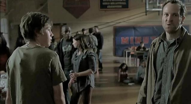 Falling Skies S1x06 - Tom tries to convince them it is safe